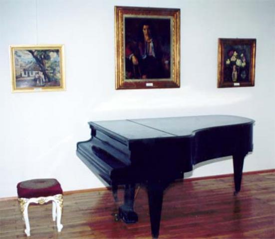 Pianul din incinta Muzeului Orăşenesc Lipova
