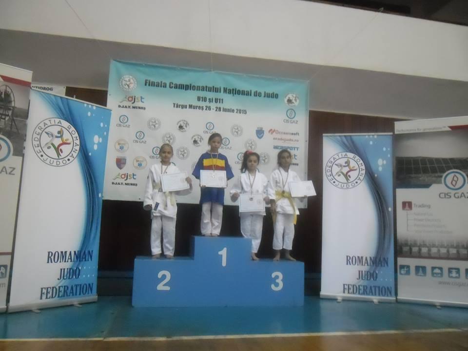 Copiii de la judo pe podium, Stoica Dariana, Lipova -  loc 3
