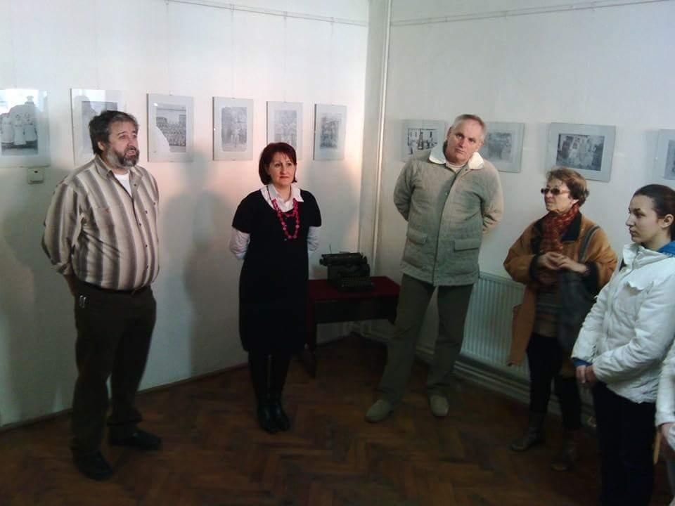 Corina Dubestean, alaturi de Directorul Liceului A.Marienescu-Lucian Dontu si Prof. Marius Iercosan