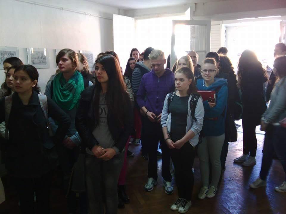 Elevii Liceului A. Marienescu au fost  prezenti la vernisajul expozitiei