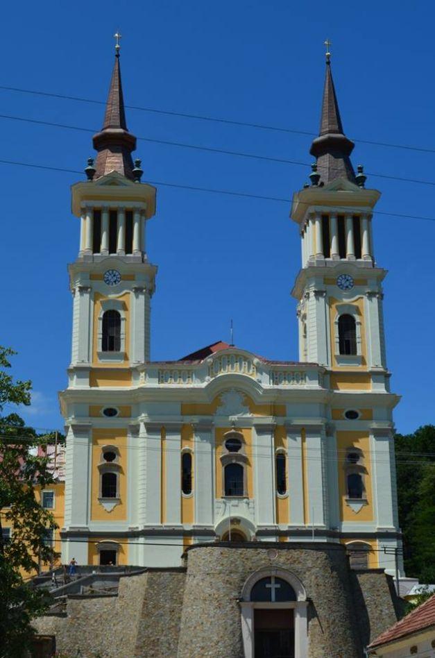 "Mii de oameni  au participat la inaugurarea Manastirii ""Maria Radna"""
