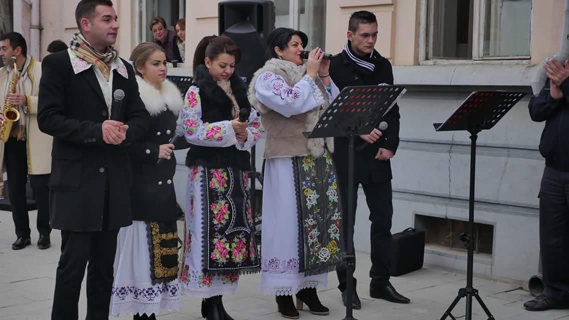 Delegaţia germană, reprezentantă a  Cercului de Prietenie Româno-German,  întâmpinată la Lipova  în sunet de colinde