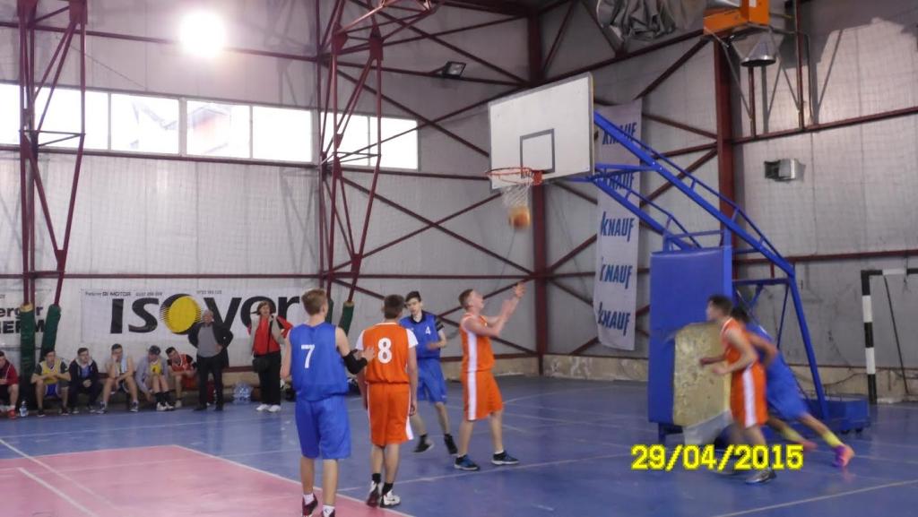 """Lipova a găzduit a IX – a ediţie a competiţiei sportive """"Memorialul Prof. Cristian Horga"""" la baschet"""