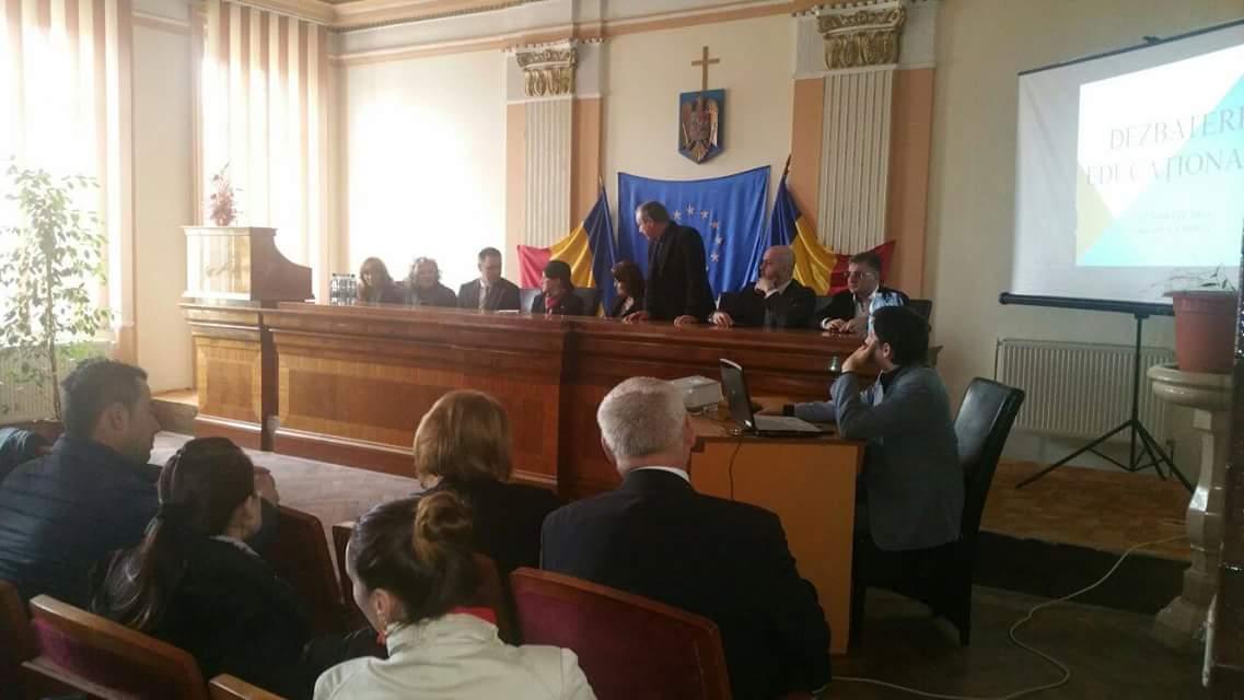 Dezbatere naţională pe teme educaţionale la Lipova, în prezenţa Prof.univ.dr. Ecaterina Andronescu - Preşedintele Comisiei pentru Învăţământ, Ştiinţă, Tineret şi Sport din Senatul României