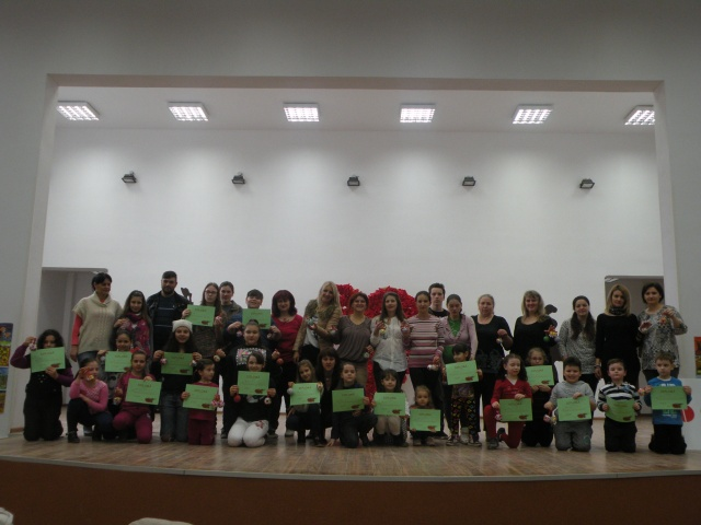 Creaţii noi de primăvară realizate de copii și mămici  la Clubul Copiilor Lipova