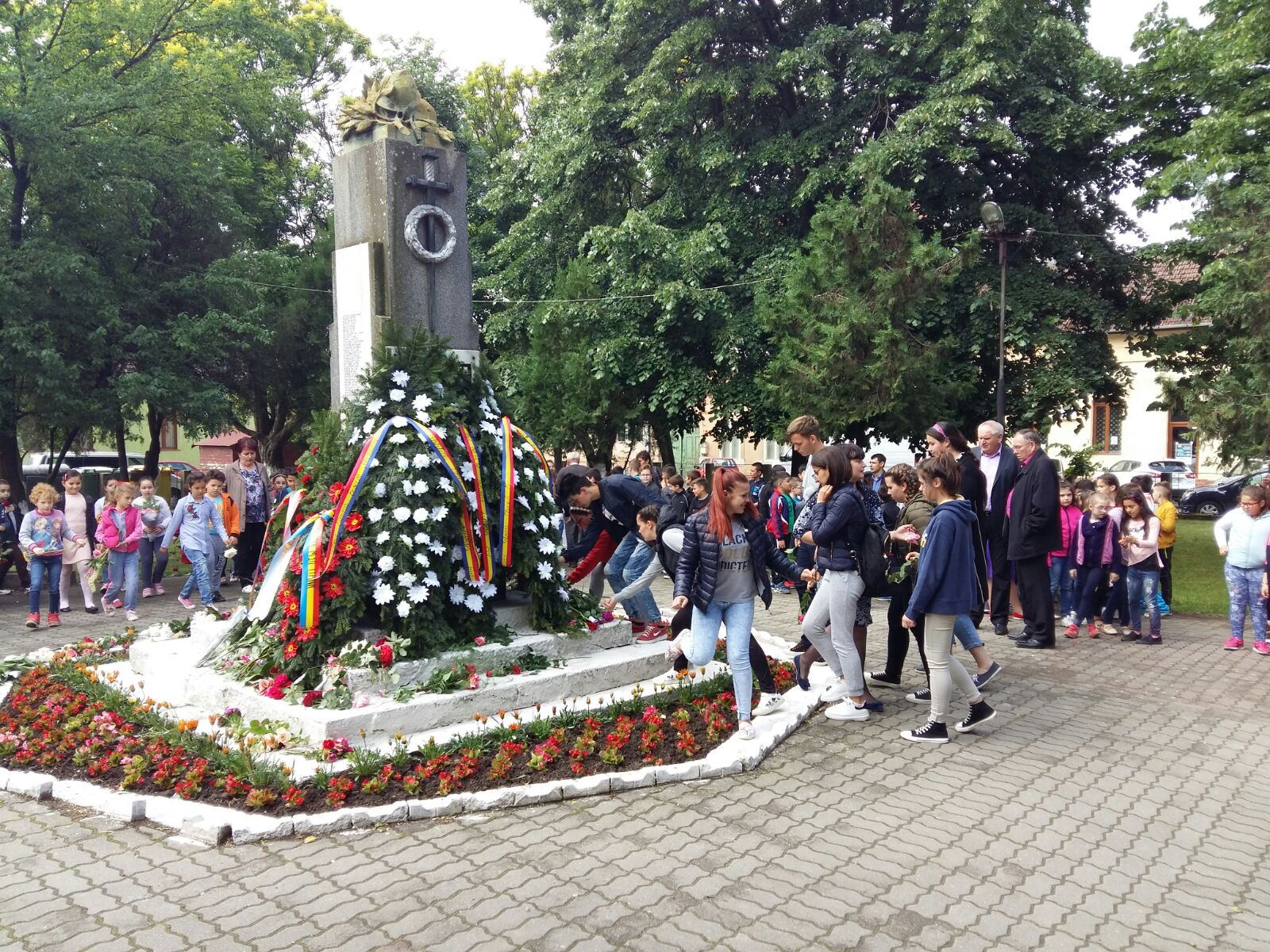 Eroii neamului românesc comemoraţi la Lipova cu ocazia Sfintei Sărbători a Înălţării Domnului Isus Hristos