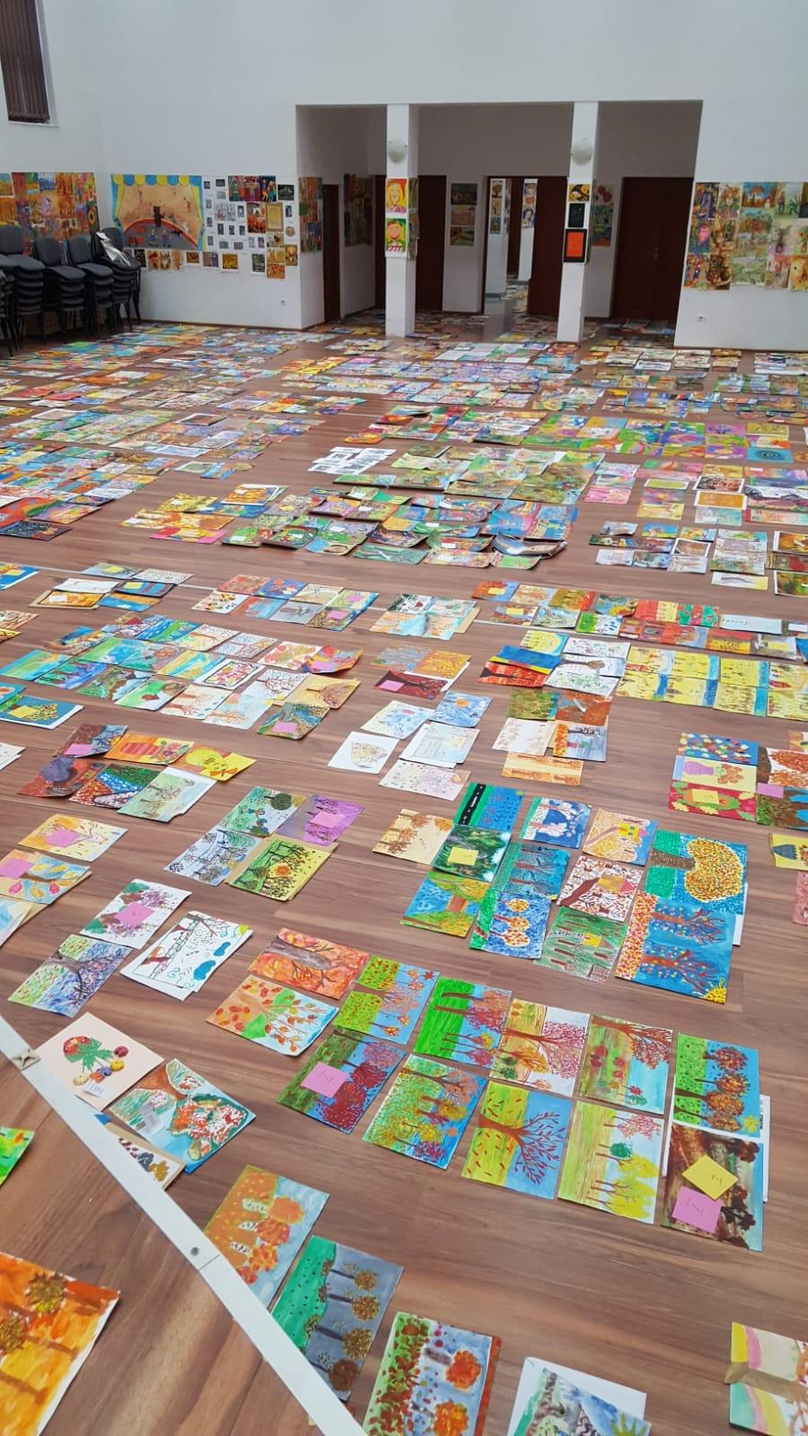 """Concursul Internaţional  de Fantezie şi Îndemânare  """"Culorile Toamnei"""" , organizat de Clubul Copiilor Lipova,  a ajuns în acest an la cea de-a 15-a ediție"""